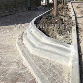 Бордюр дорожный 1000х300х150 мм